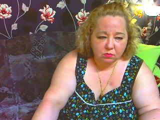 Singles chat with BBW Hugetits69 fancies wanking play time