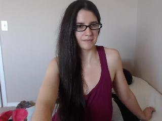 Instant chat with Strict Biotch MissJ needs deepthroat play time