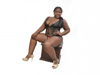 Naughty live chat with MILF dianablack1 longs for ohmibod & squirt have fun