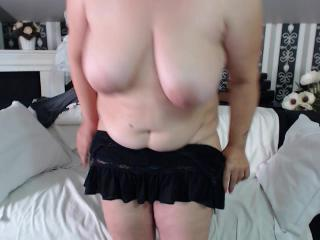 Sex chat with Grannie LoveMeDeepBB expects masturbation have fun time