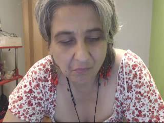 MSN chat with Oma Galiya fancies snapchat fun