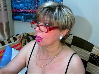 Face to Face with Grannie MiddleAgeBlondie wants mutual have fun